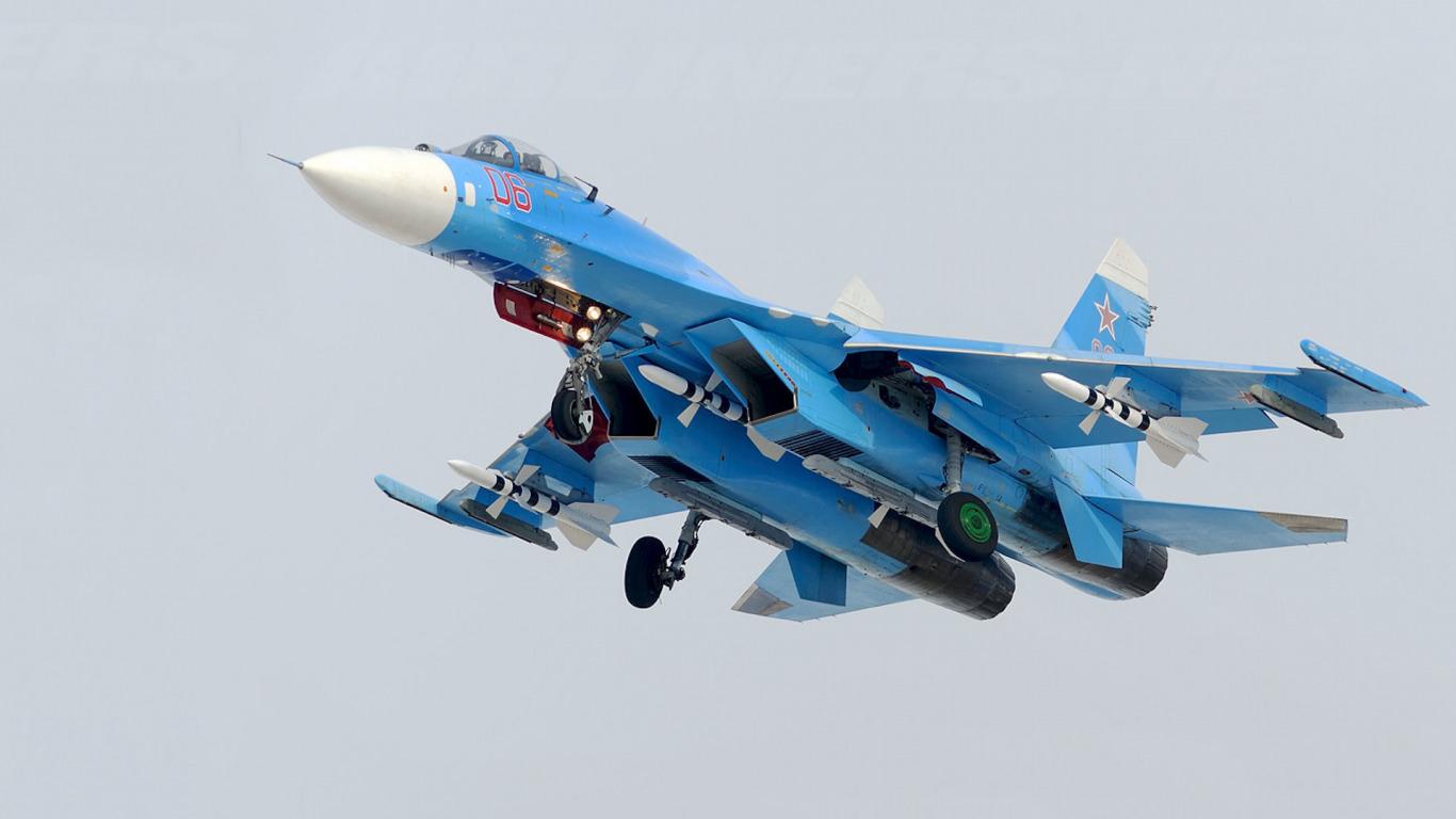 [Image: su-27-flanker-sovetskiy.jpg]