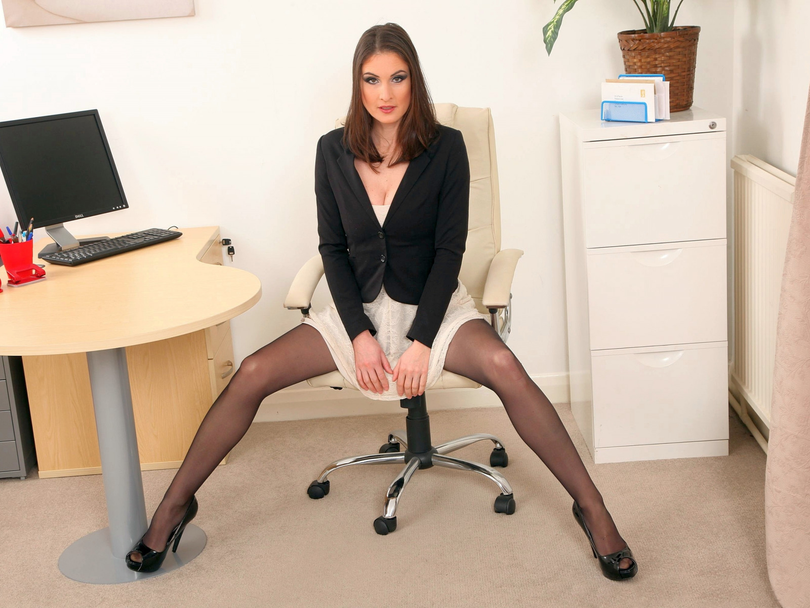 Secretary masturbate in office