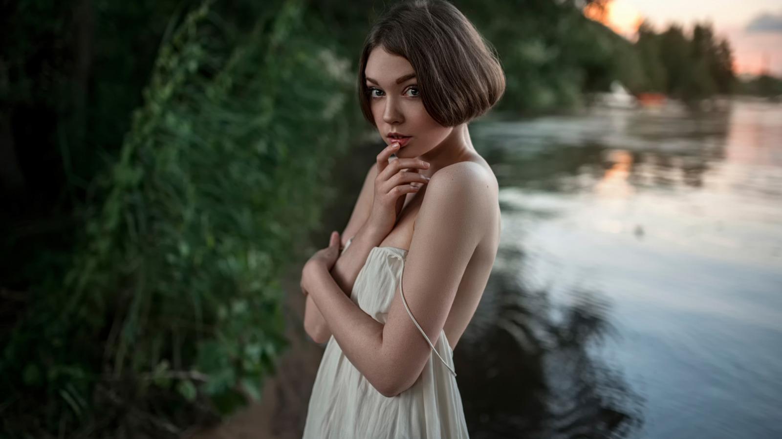 seks-video-skromnaya-devushka