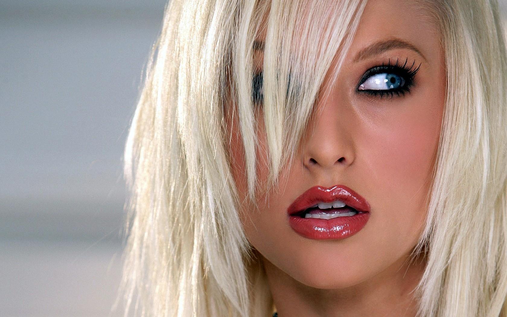 beautiful-blonde-ts-girls