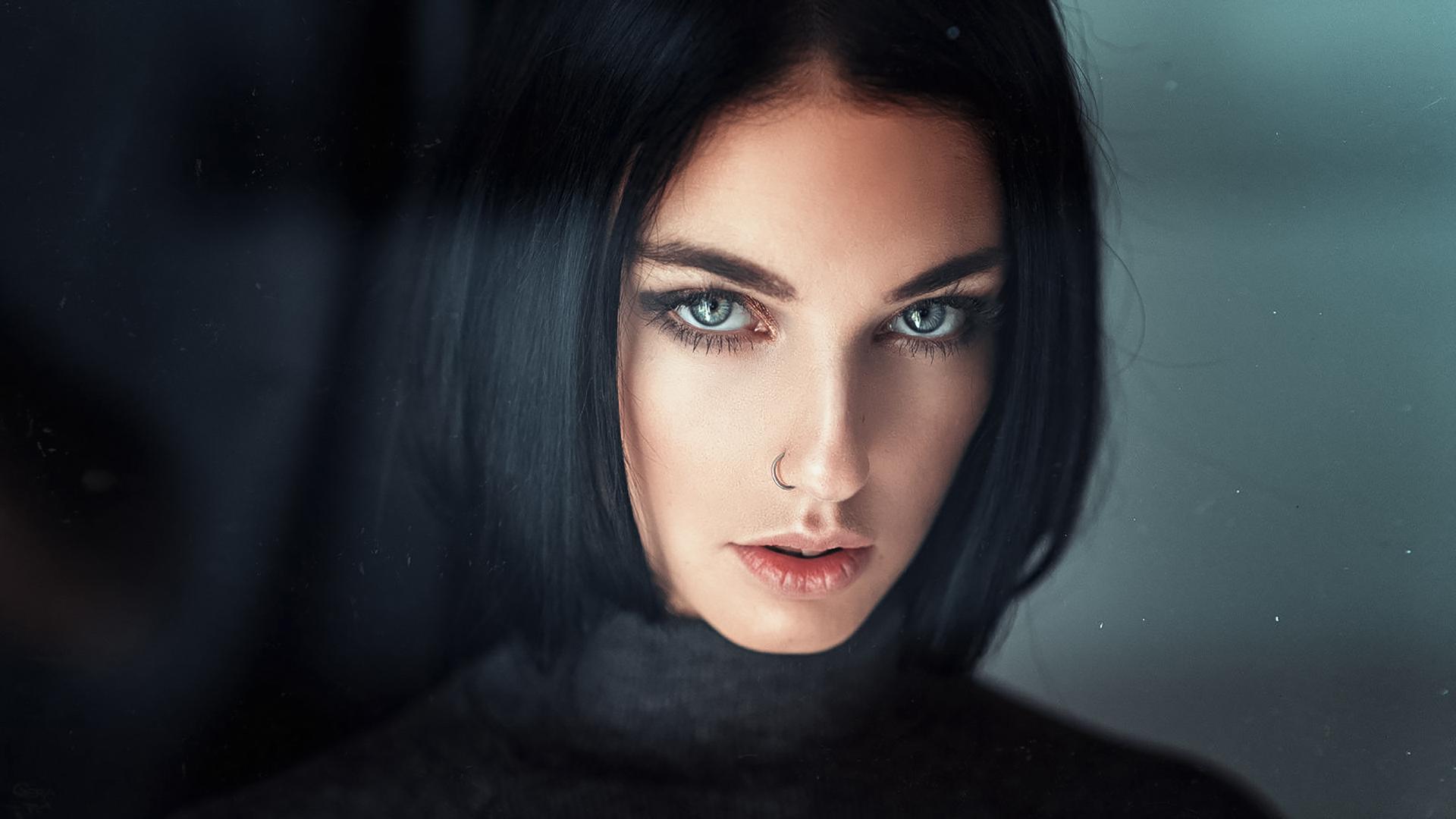 девушка милая лицо взгляд брюнетка глаза  № 649043 загрузить