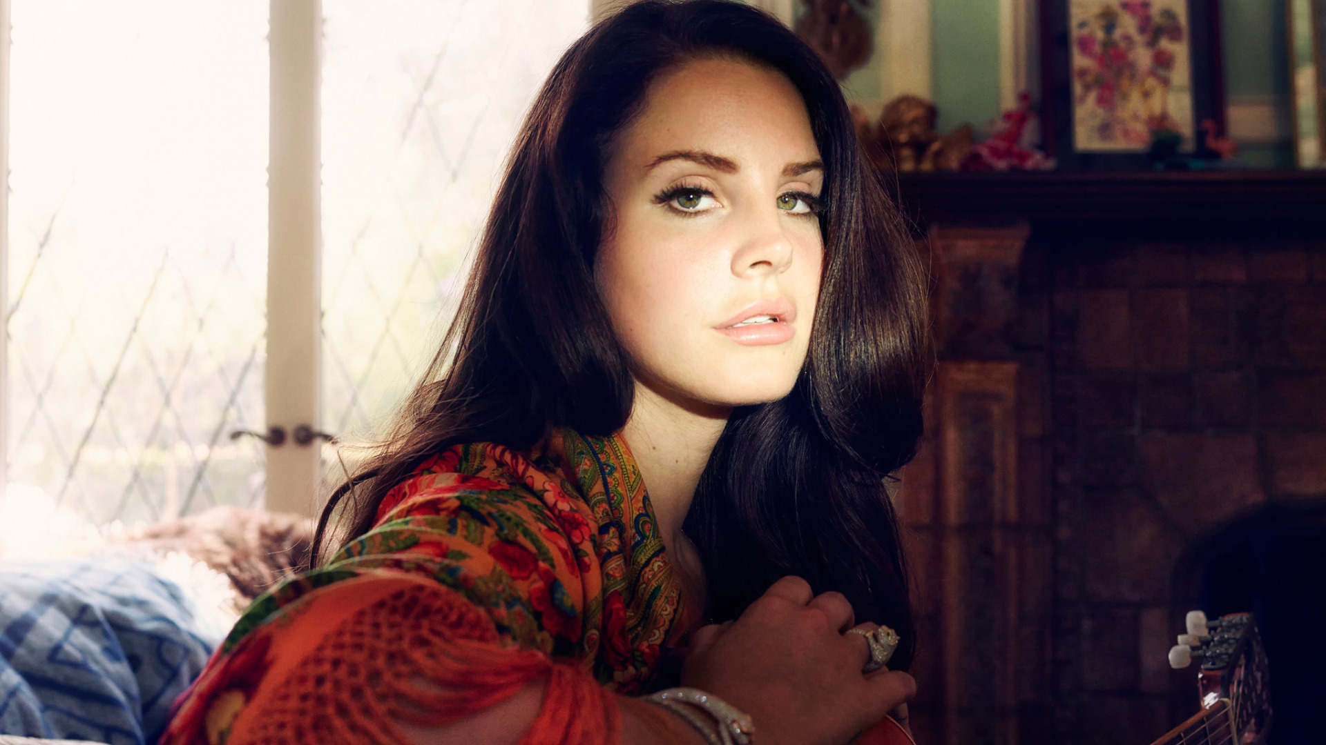 Download Wallpaper Guitar Pop Singer Songwriter Lana Del Rey