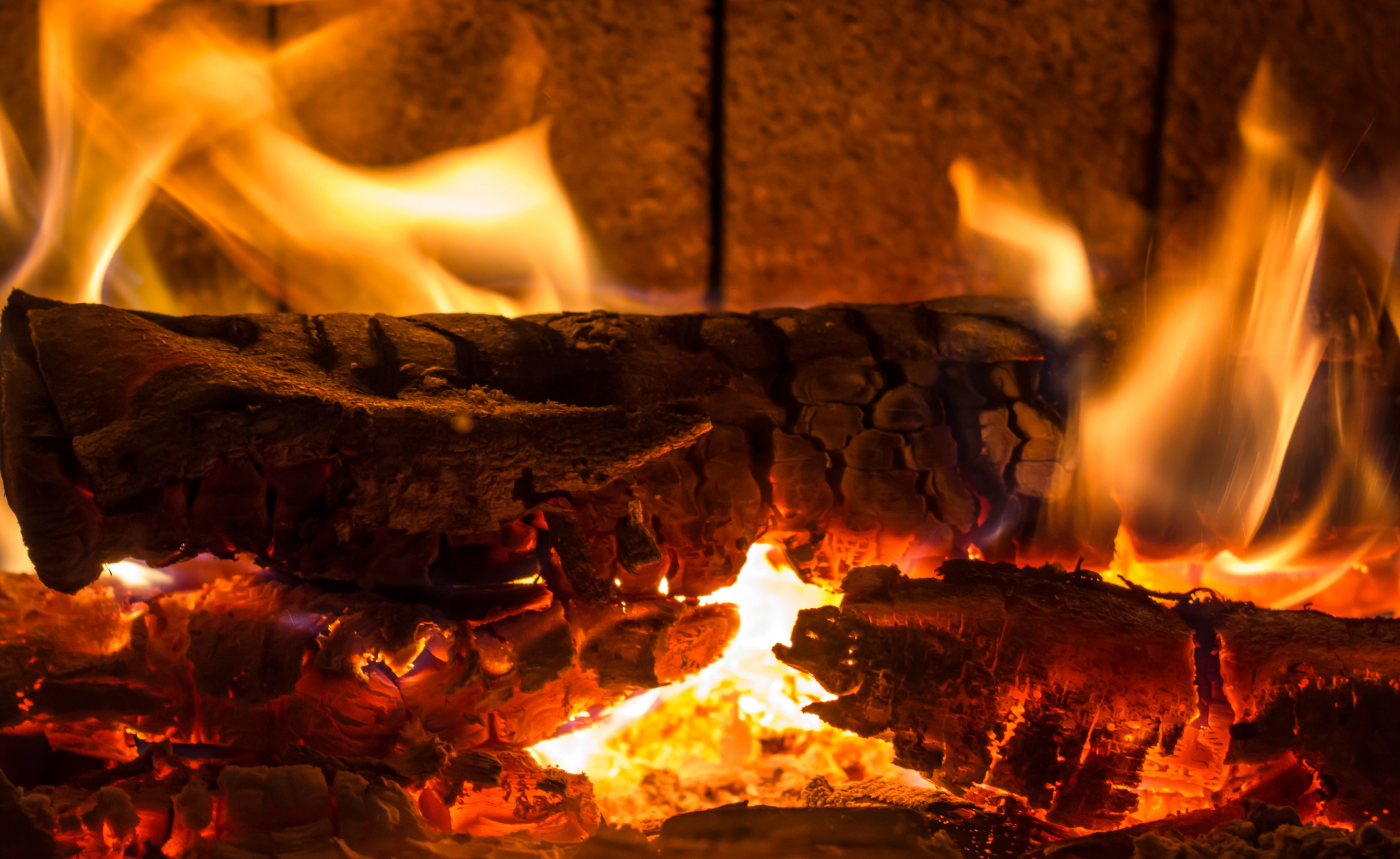 fireplace firewood flicker flame christmas - HD2048×1258