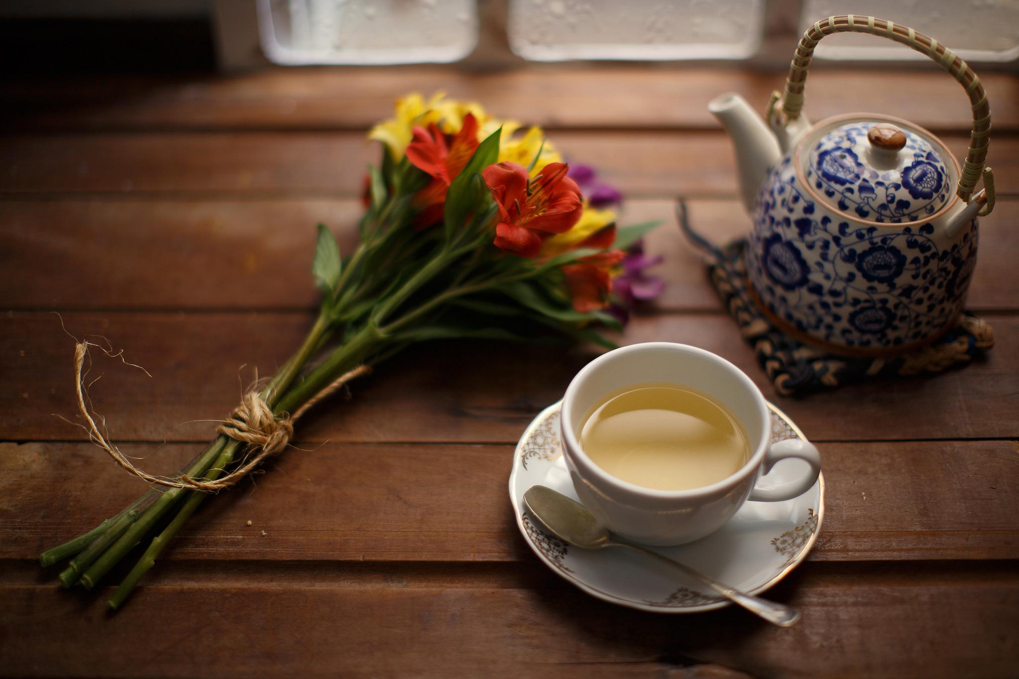 хлеб чай кружка чайник масло  № 2118886 без смс