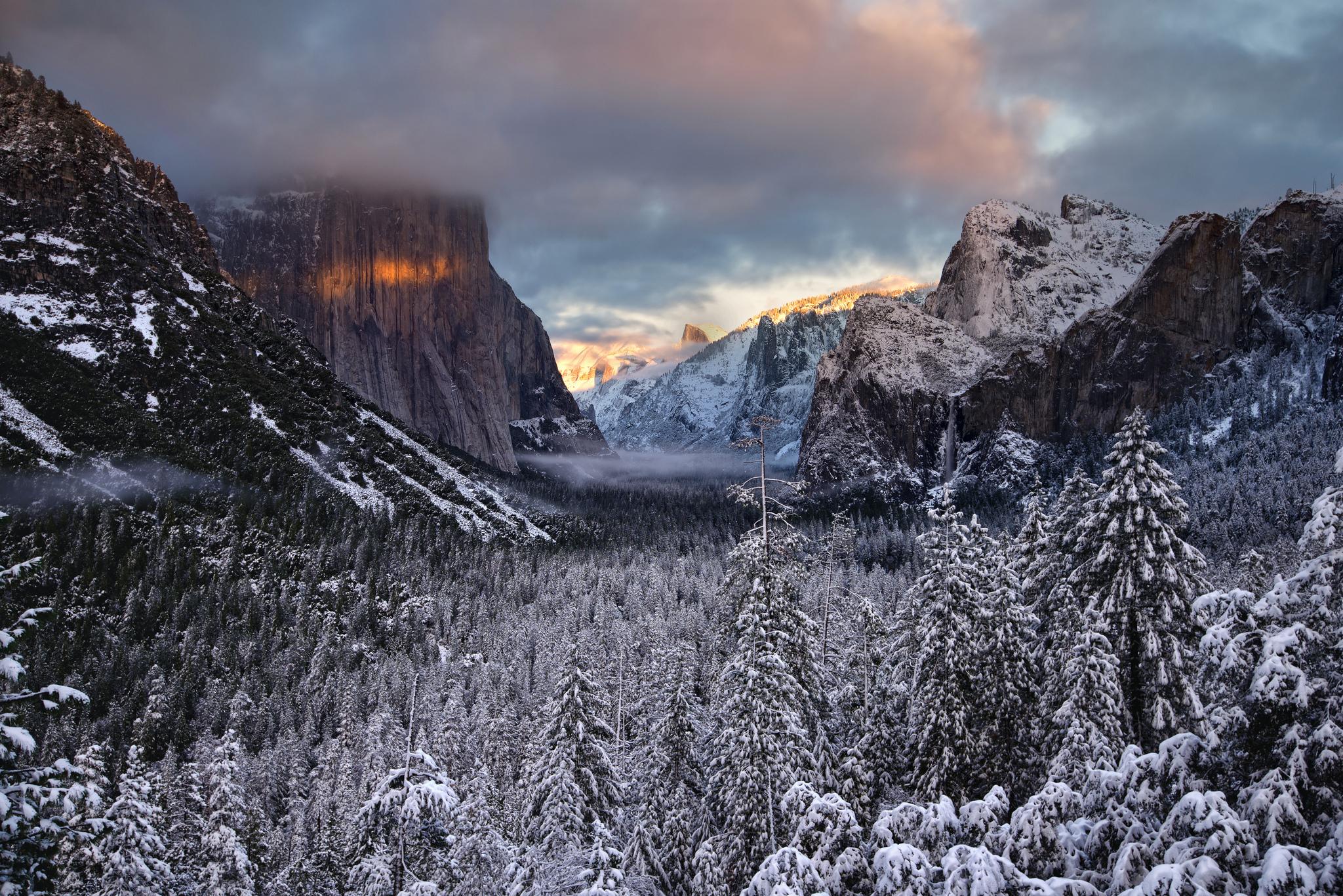 природа зима снег горы скалы деревья  № 2781185  скачать