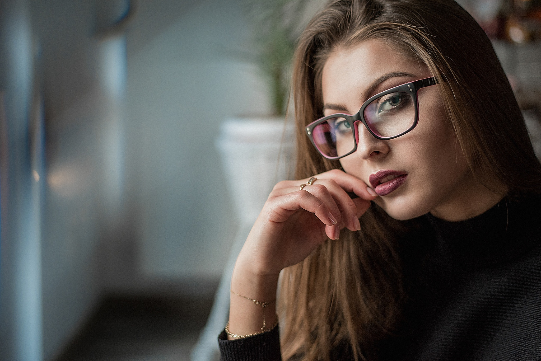 Do you agree that glasses make girls more