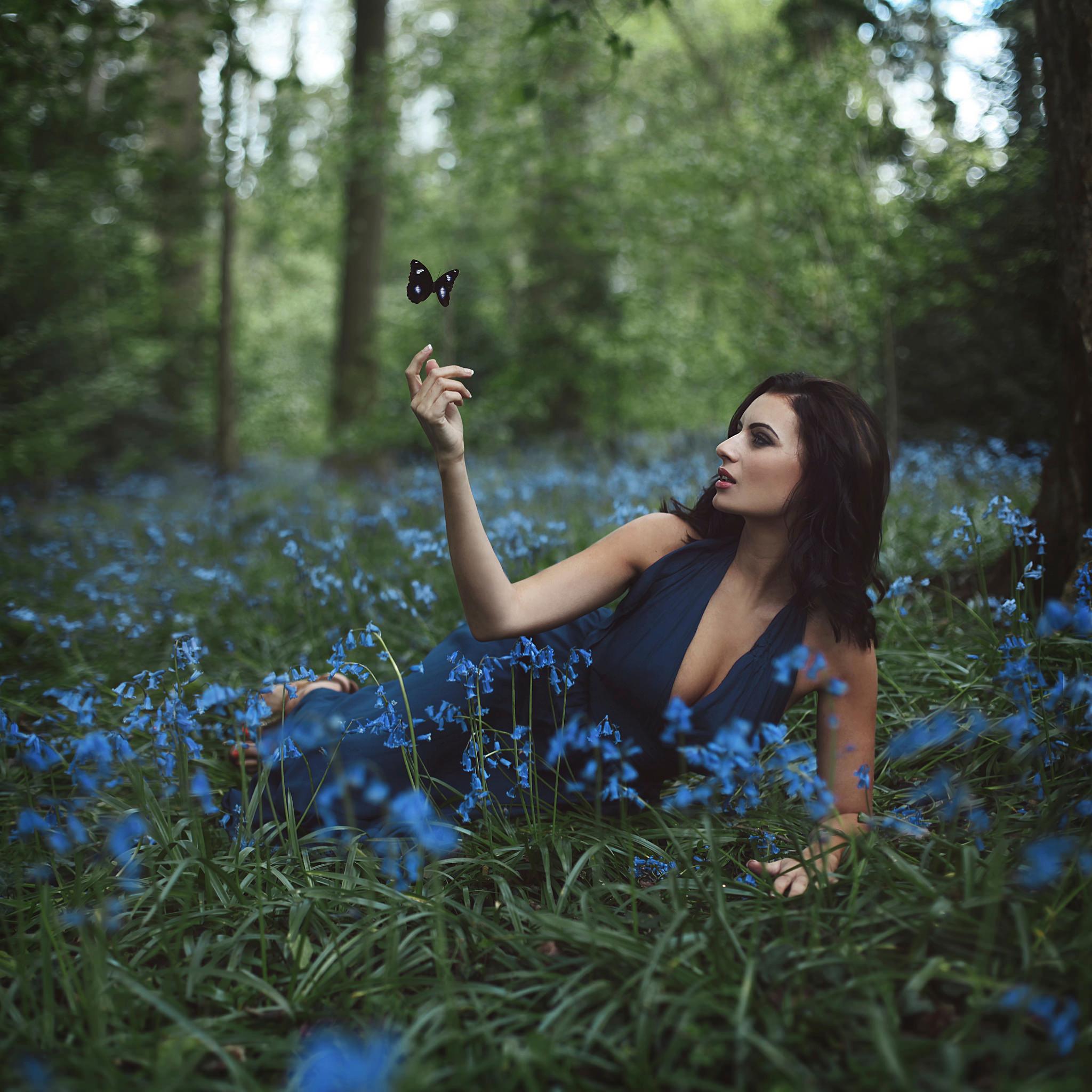 девушка брюнетка природа лес  № 2868447 без смс
