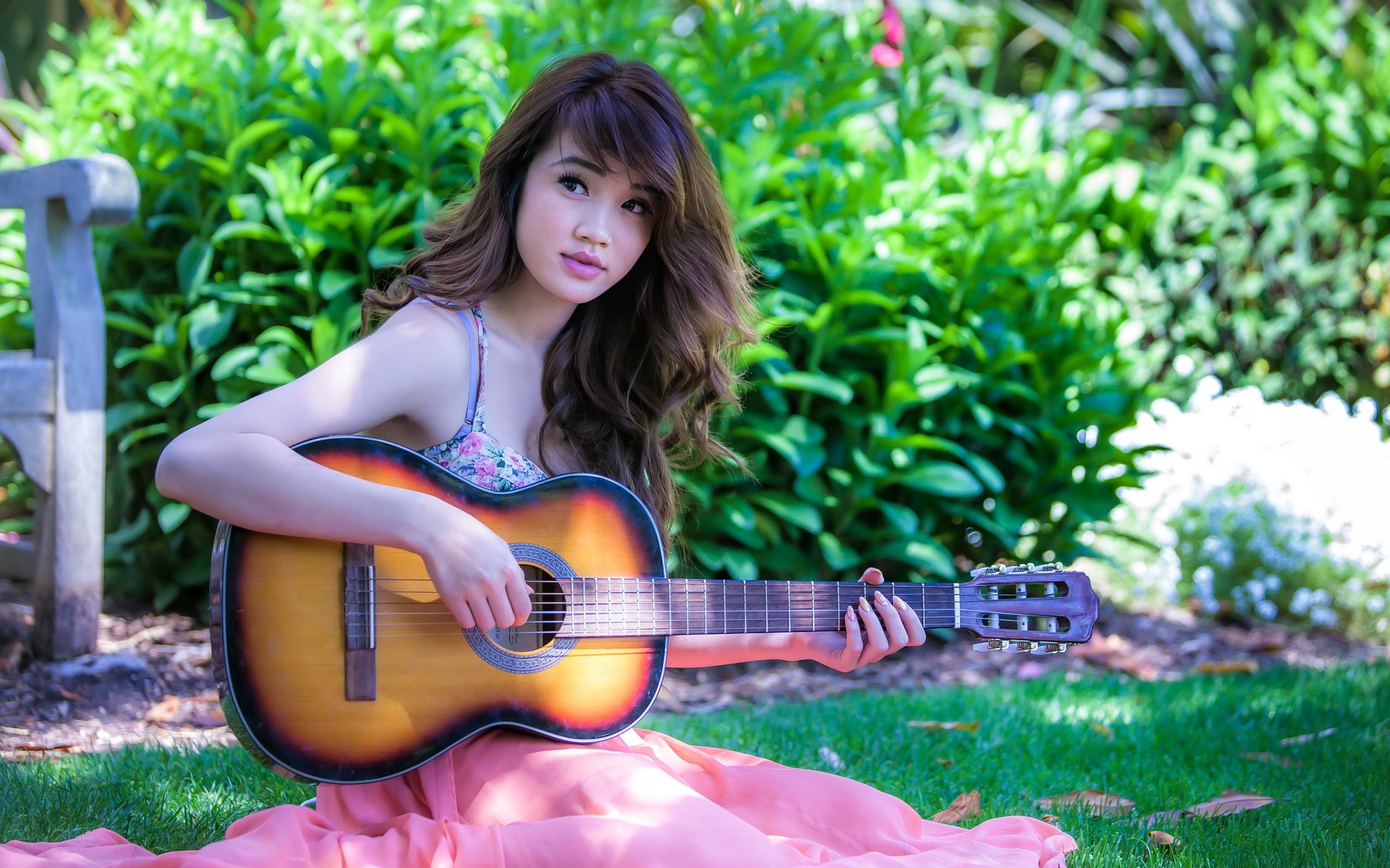 девушки гитара улыбка  № 465397 бесплатно