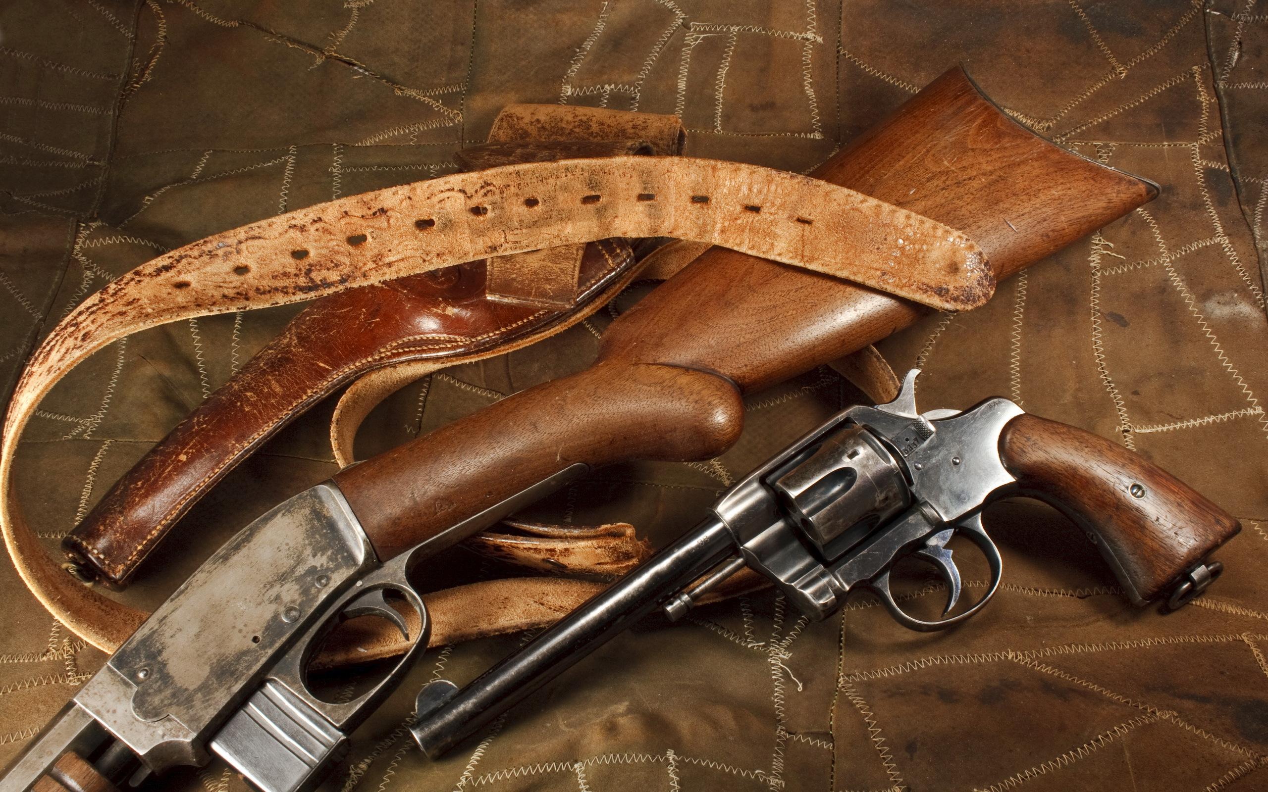 Револьвер с виноградом  № 1624169 бесплатно