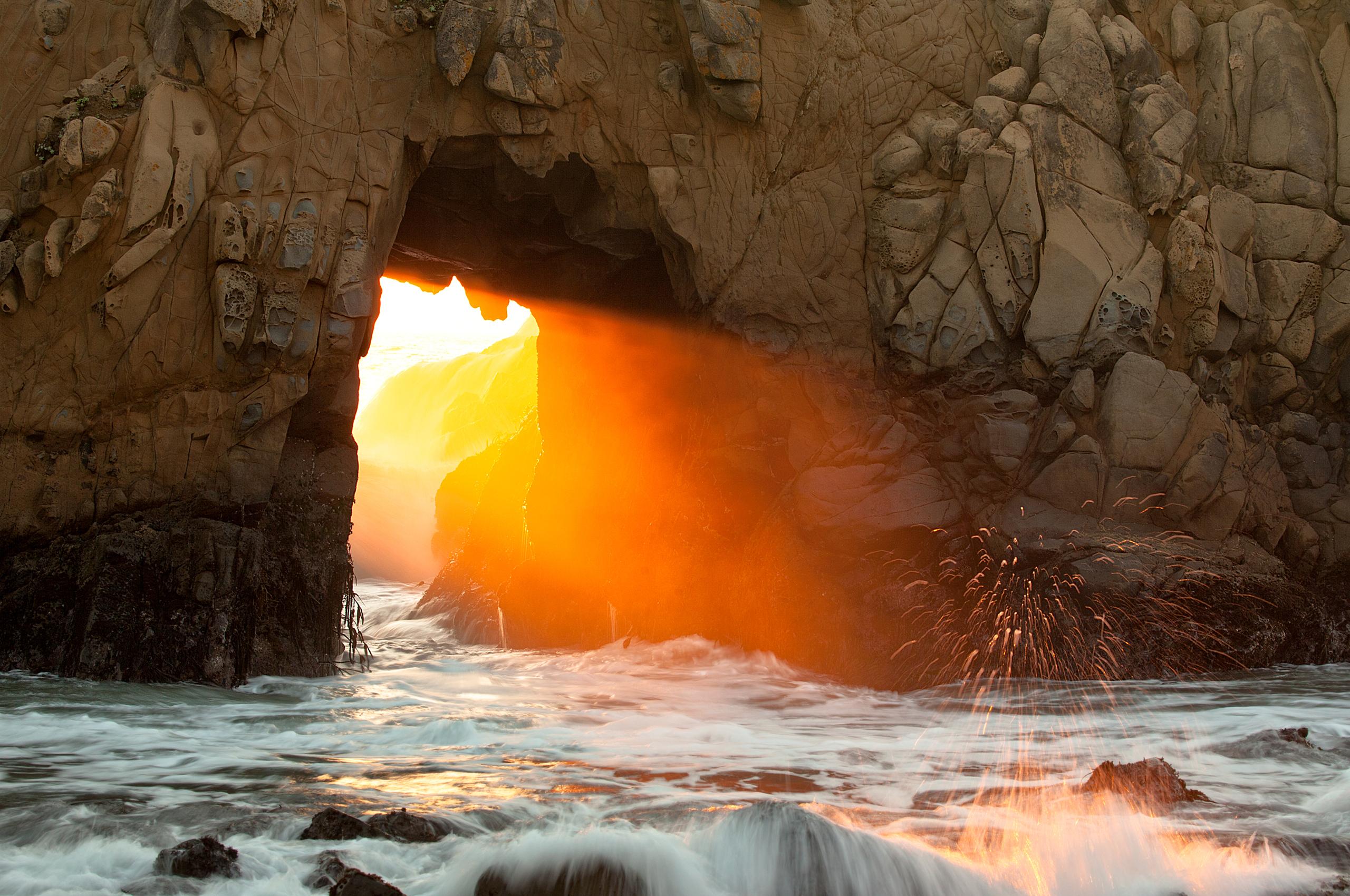Пещера море рассвет камни  № 381369 загрузить