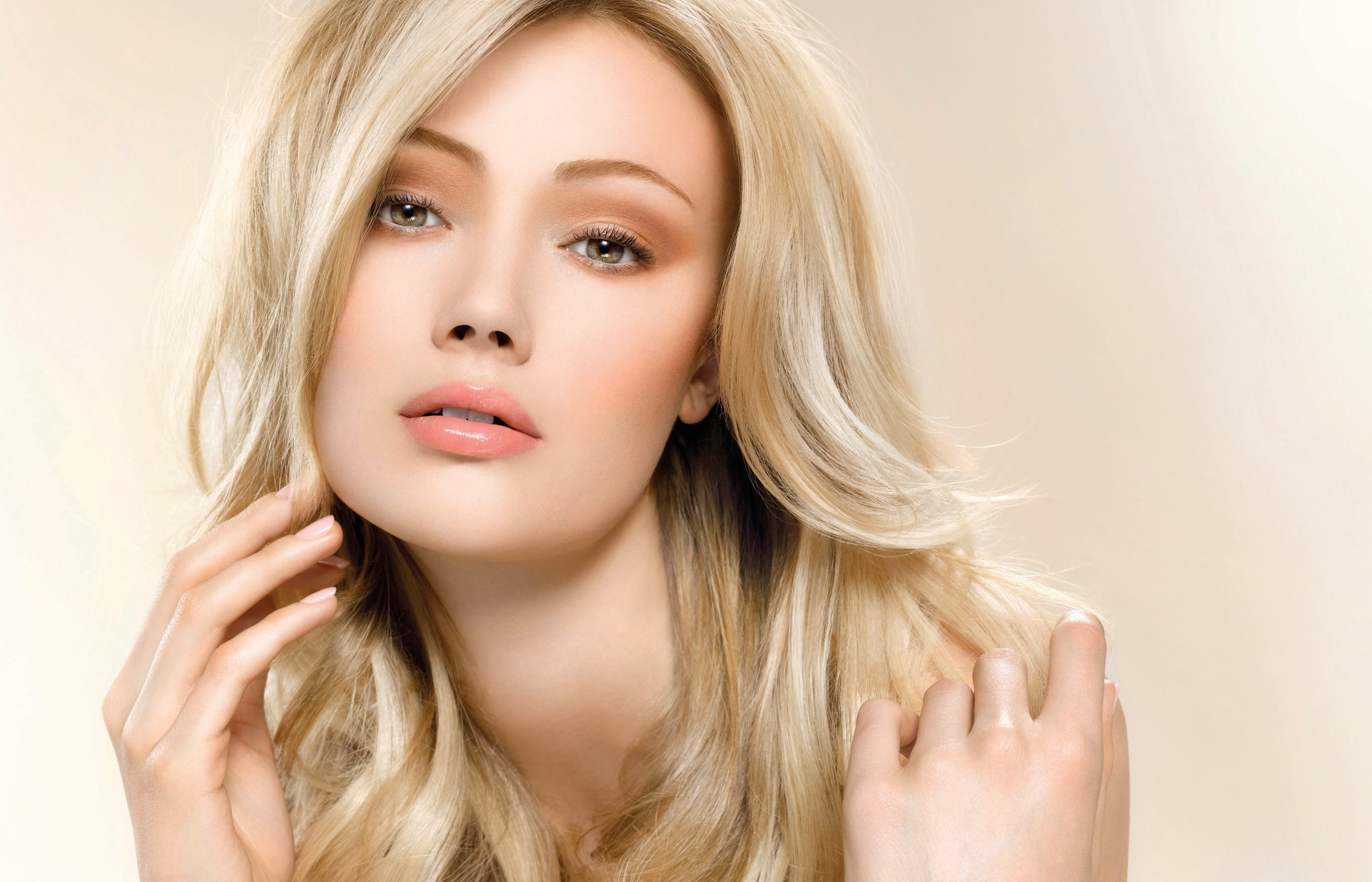 Правильный дневной макияж блондинок
