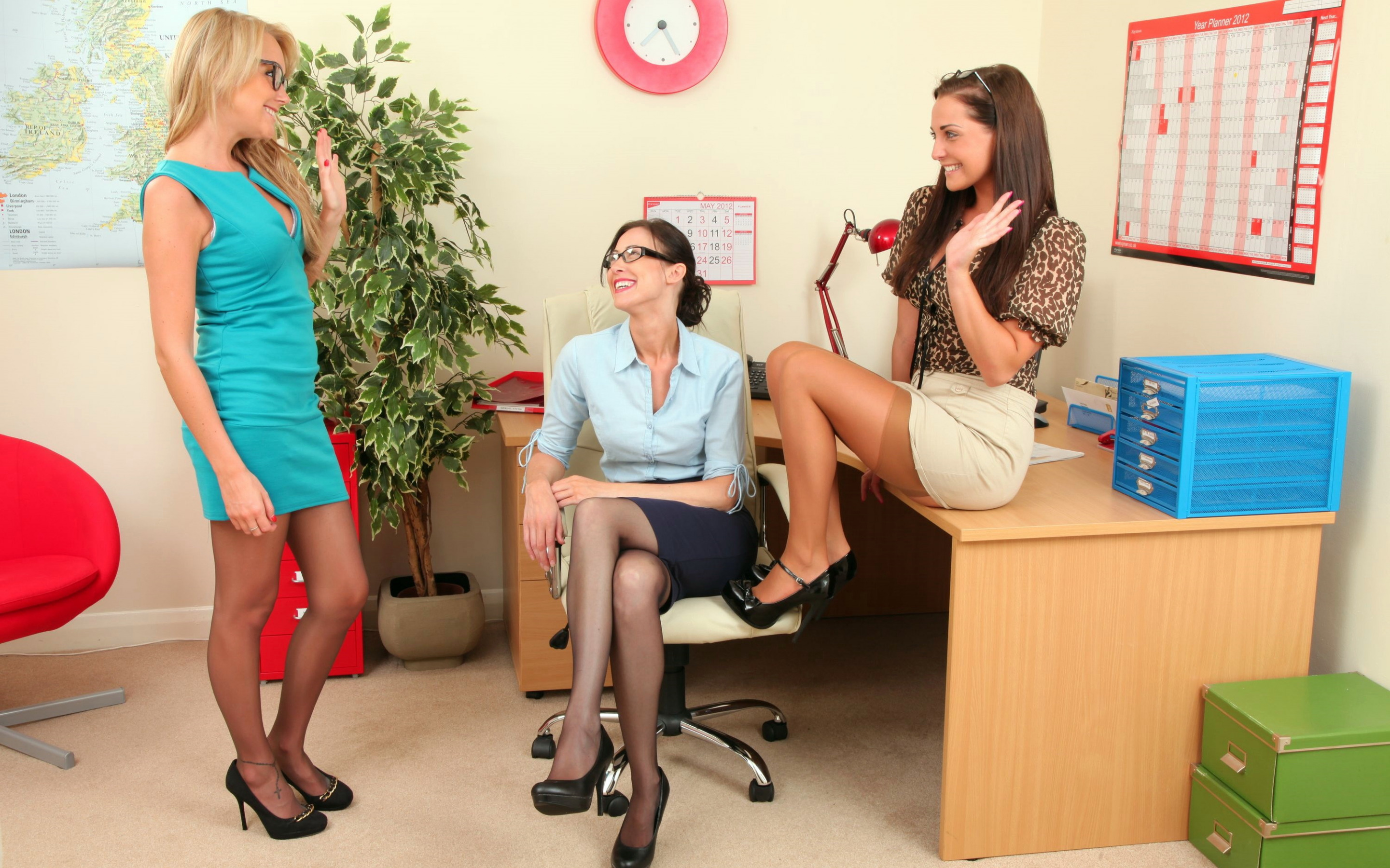 lesbian-group-office-hot-sex-videos-king-of-queens-pussy-lips