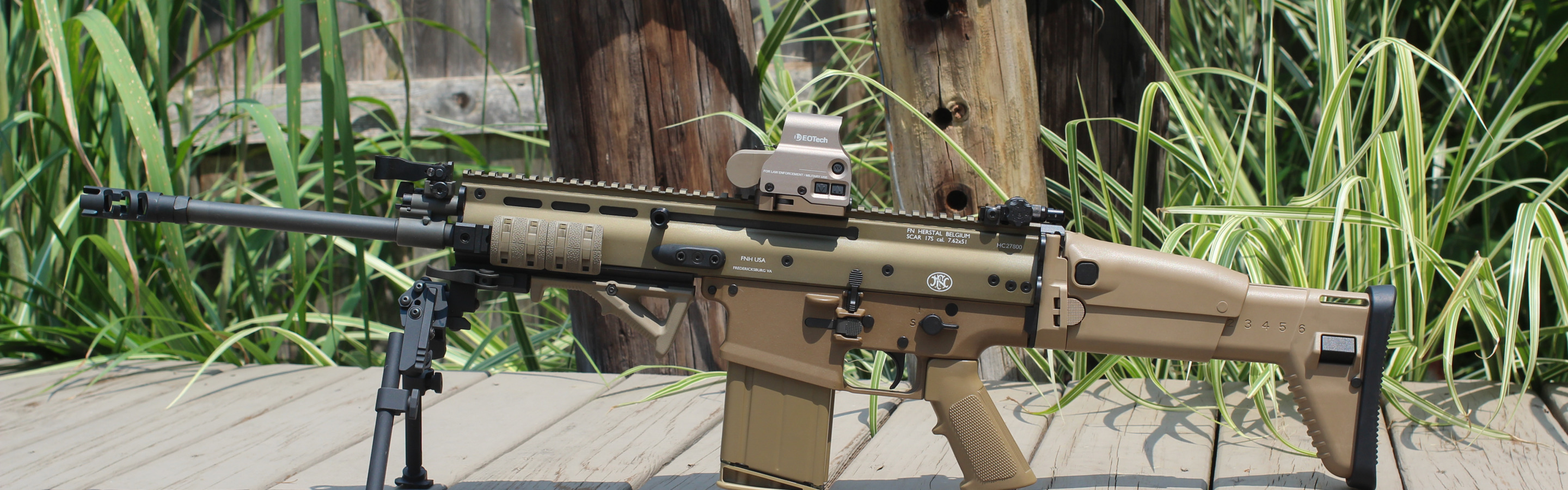 Download wallpaper weapons, machine, bipod, FN SCAR 17S, reflex