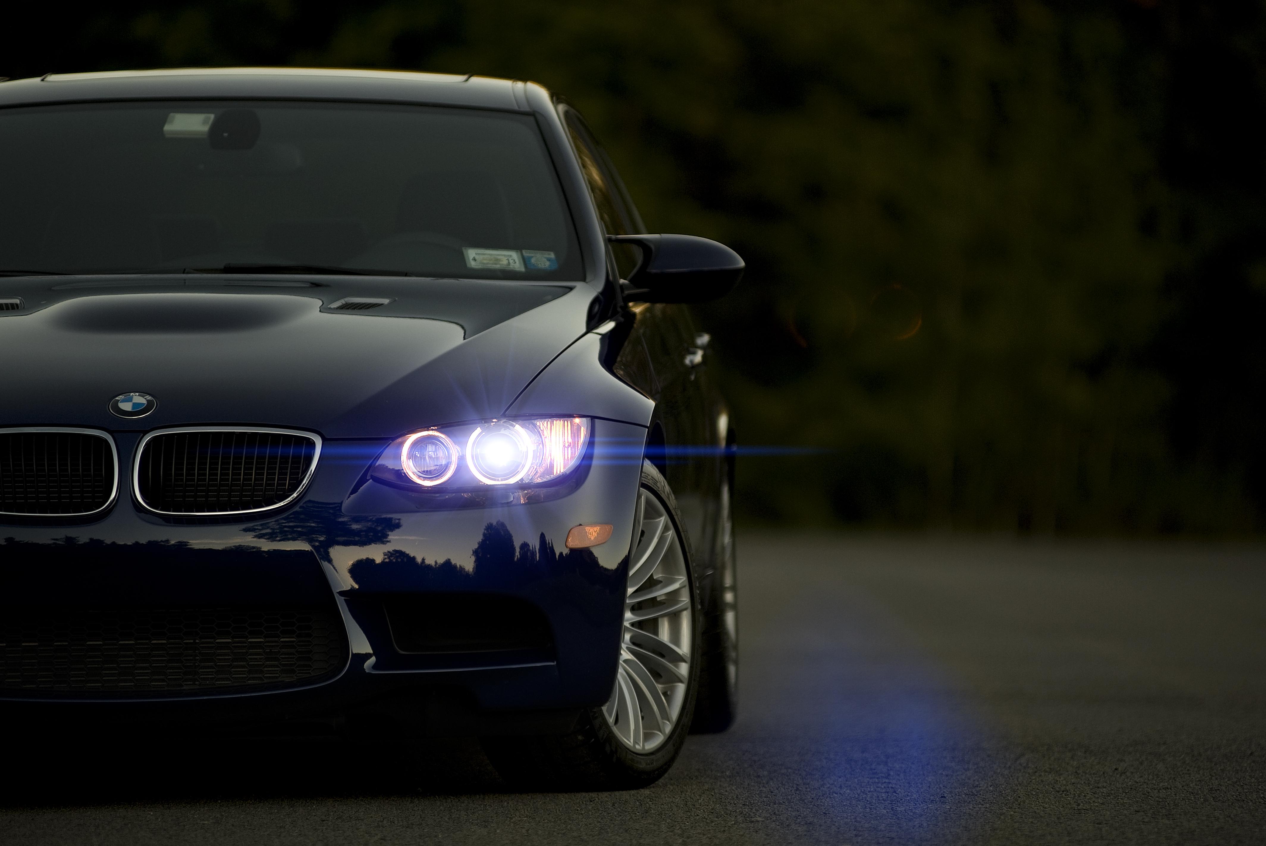 черно-бело фото BMW  № 2422817 бесплатно