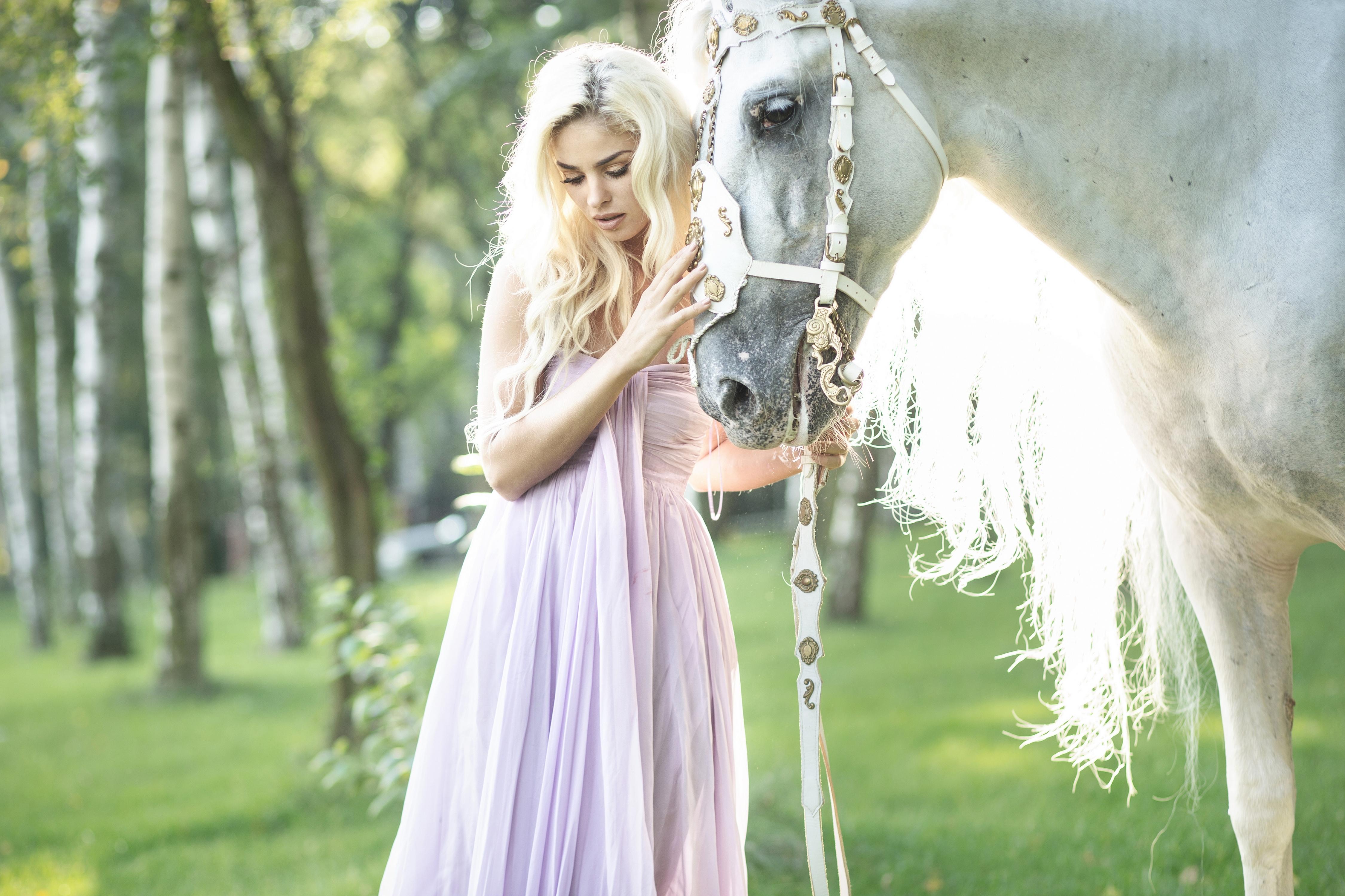 девушка лошади  № 1819068 без смс