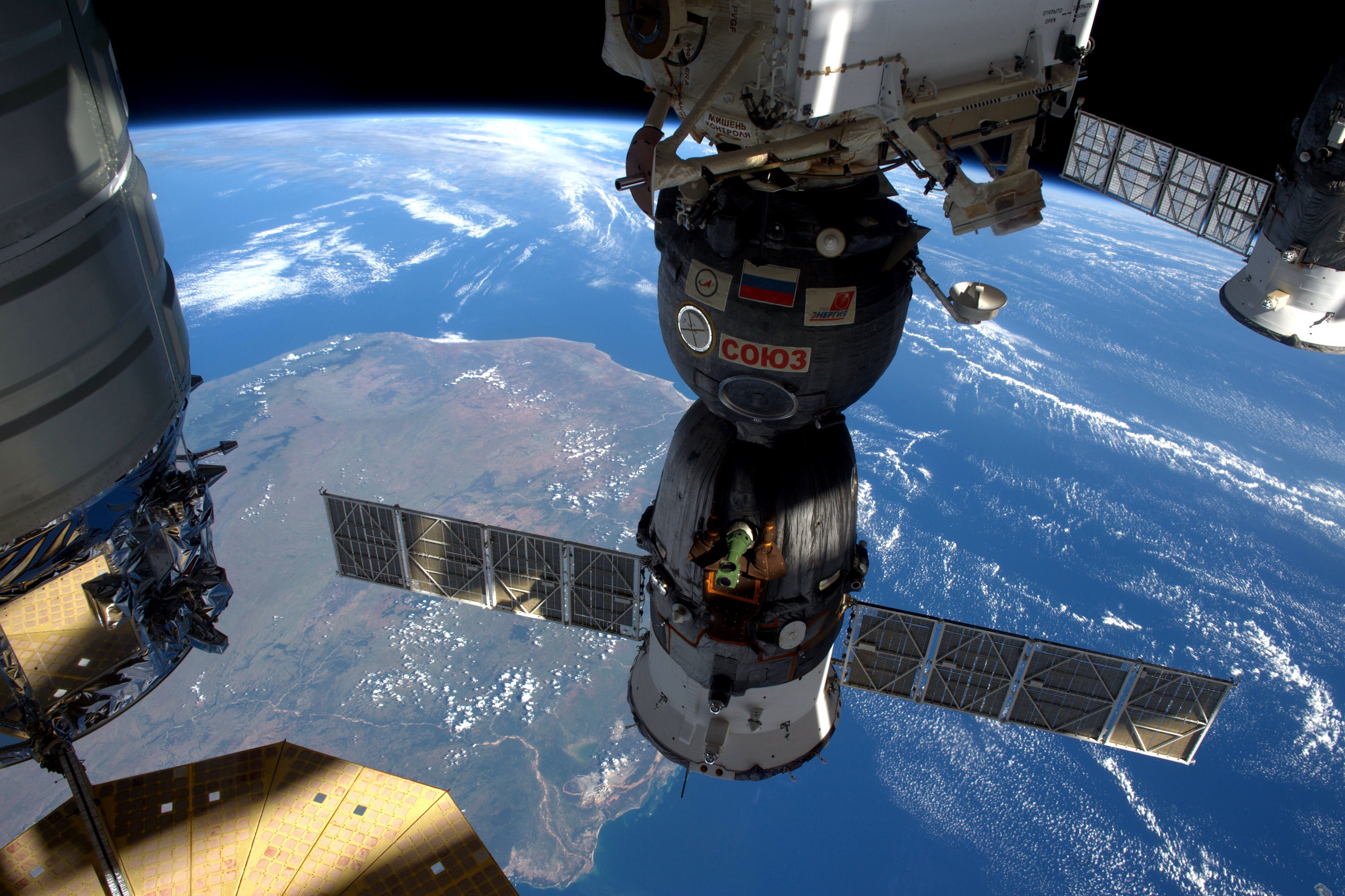 us space station - HD4940×3292