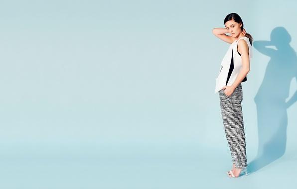 Picture photoshoot, Phoebe Tonkin, Who What Wear
