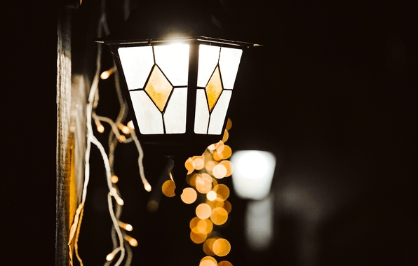 Picture winter, glass, macro, light, lights, lamp, yellow, lantern, garland, holidays, bokeh
