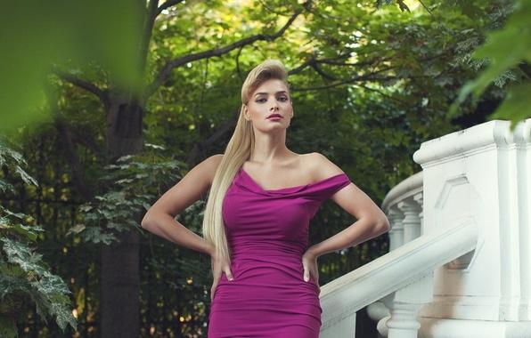 Picture leaves, girl, Park, model, figure, dress, green, hairstyle, blonde, beauty, neckline, singer, maple, celebrity, Tatyana …