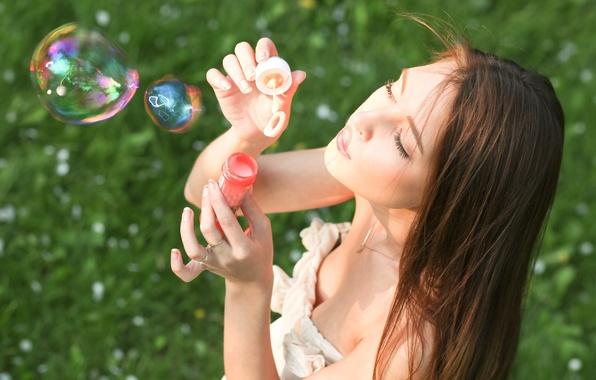 Picture greens, summer, grass, girl, joy, nature, face, background, mood, positive, brunette, bubbles, bright, bubbles, widescreen, …