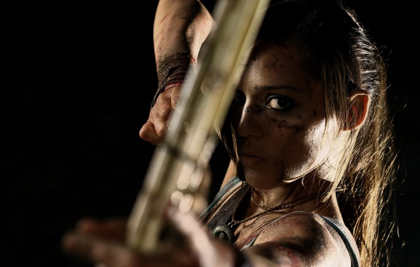 Picture look, girl, face, weapons, bow, dirt, arrow, Tomb Raider, black background, lara croft, Charly Brusseau