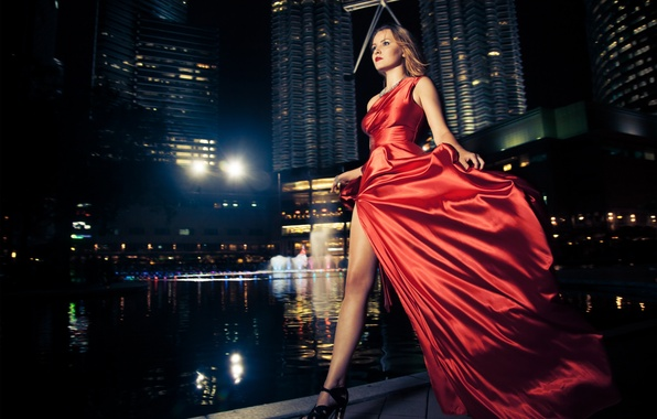 Picture model, night city, red dress