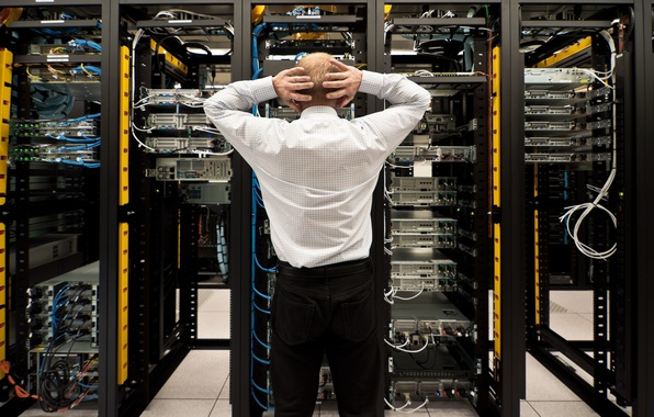 Picture men, machinery, hardware, server connectivity