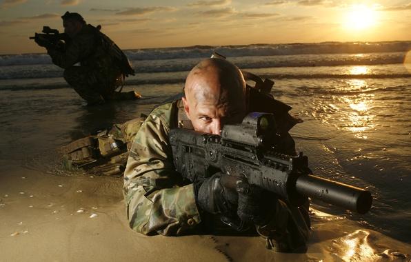 Picture gun, soldiers, bald, machine, machine gun, muffler, the flash Hider
