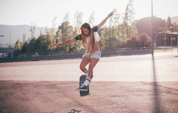 Picture face, pose, hair, body, figure, legs, skate