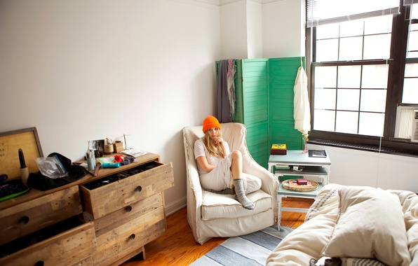 Picture room, home, photoshoot, Elizabeth Olsen, 5-Minutes With Franny