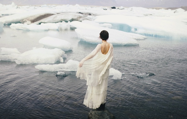Picture sea, girl, the situation, dress, ice