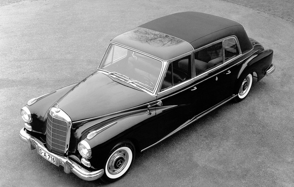 Picture machine, black and white, old, mercedes-benz