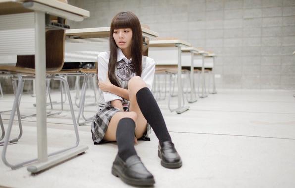 Picture girl, face, sadness, hair, skirt, floor, Klas