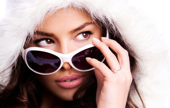 Picture girl, face, background, hand, ring, glasses, hood, of modeo=l