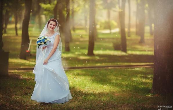 Picture grass, the sun, trees, joy, flowers, nature, Park, mood, bouquet, dress, brown hair, the bride, …