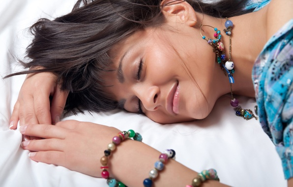 Picture girl, decoration, smile, earrings, beads, brown hair, bracelets, curls, charm, landysh A