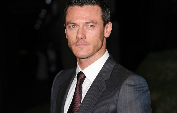 Picture look, costume, male, Luke Evans, luke evans
