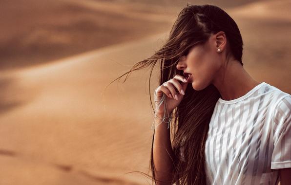 Picture girl, the wind, desert, makeup, Chromatropic