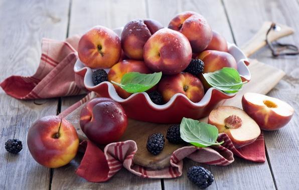 Picture berries, BlackBerry, nectarines