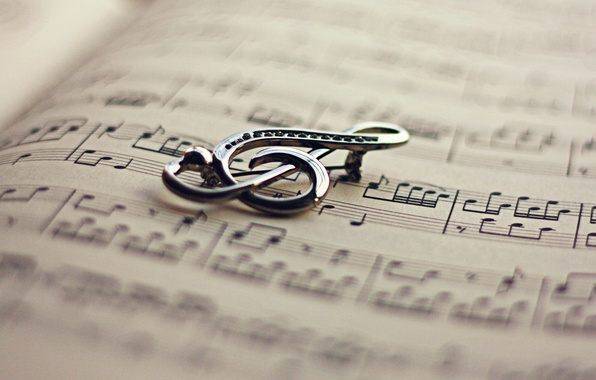 Picture notes, key, book, violin