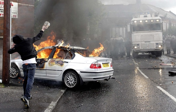 Picture situation, fire, stone, police, BMW, truck, guy, burns, bully, riots