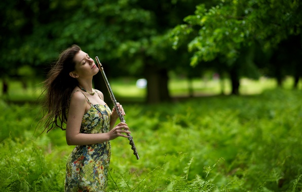 Picture girl, music, flute