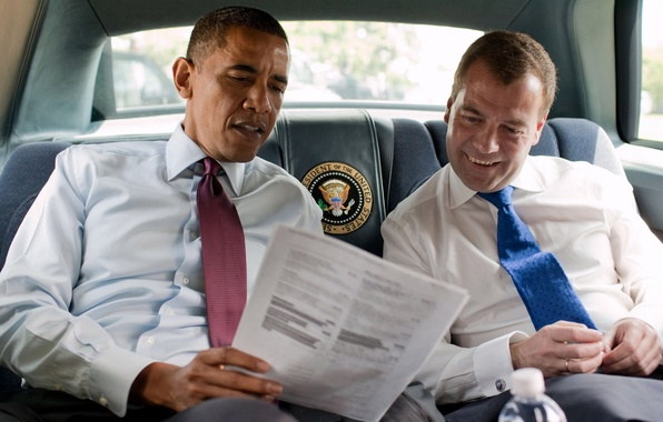 Picture smile, tie, salon, presidents, Obama, reading, red and blue, Dmitry Medvedev, barack obama