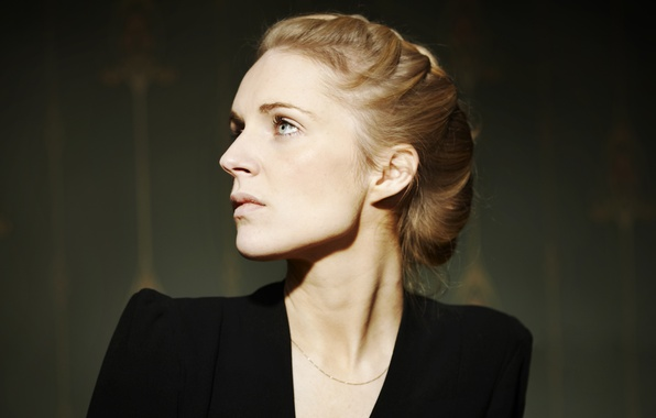 Picture eyes, look, girl, blonde, braid, singer, chain, Agnes Obel