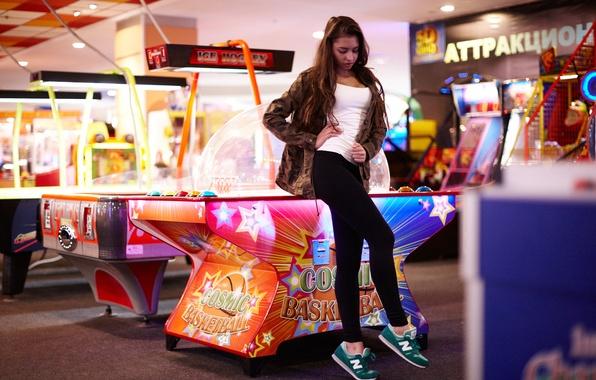 Picture girl, face, hair, legs, sneakers, slot machines, Darina, tabletop basketball