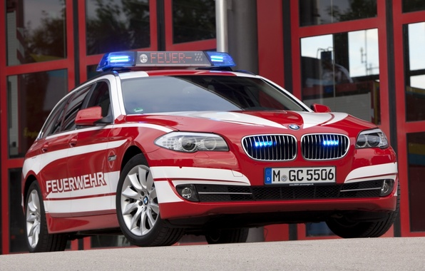 Picture BMW, BMW, the front, 5 Series, Touring, Fire