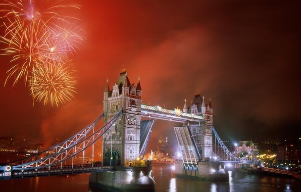 Picture bridge, the city, river, London, Fireworks