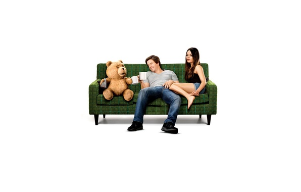 Picture sofa, bear, Mark Wahlberg, Mila Kunis, Miho, Ted, The third wheel