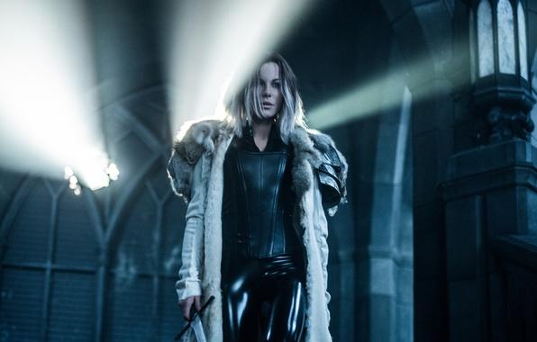 Picture cinema, Kate Beckinsale, girl, sword, Underworld, woman, man, movie, vampire, brunette, film, warrior, Selene, Underworld: …