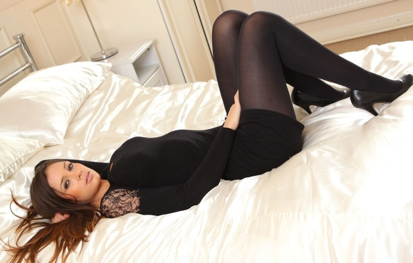 Picture look, face, bed, pillow, blanket, shoes, tights, brown hair, Louisa Marie